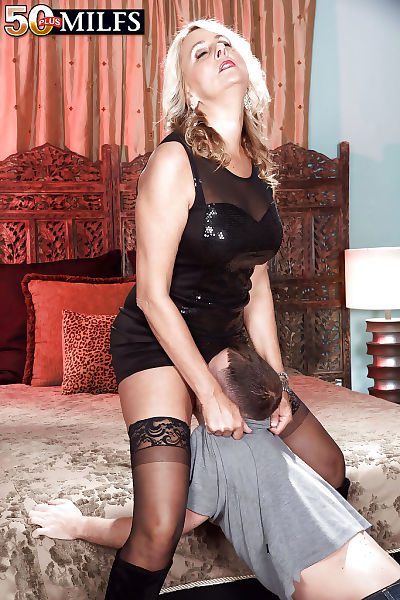 Experienced lady Dallas Matthews getting bum drilled in  and boots
