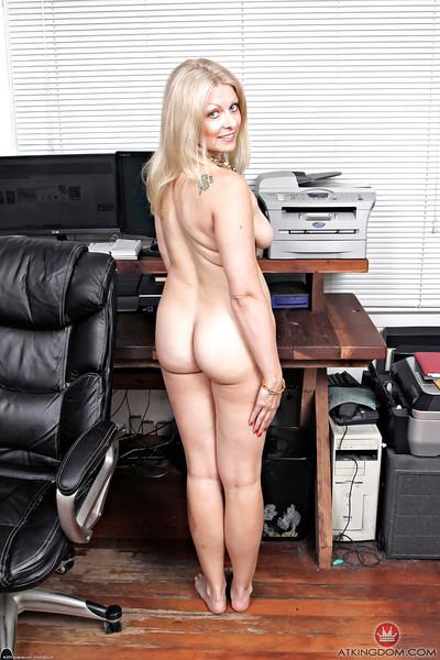 Hot full-grown kirmess ecumenical Zoey Tyler effulgent pantyhose camouflaged arse cheeks