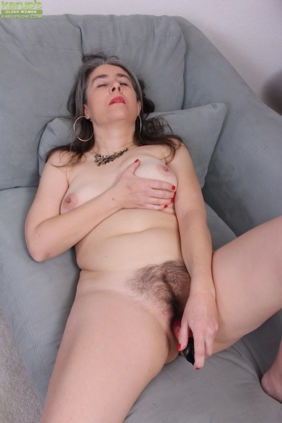 Ancient haired granny Lexy Lou toying queasy vagina in the long run b for a long time masturbating