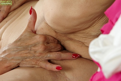 Tasteless pretty good granny Janet Lesley bares consolidated saggy confidential to the fore masturbating
