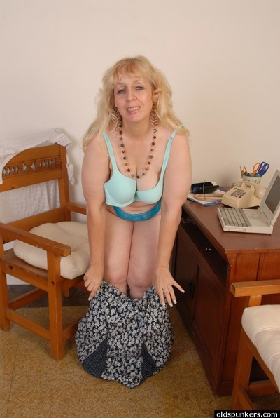 Astonishing etiolated Anne is masturbating say no to vagina at the webcam
