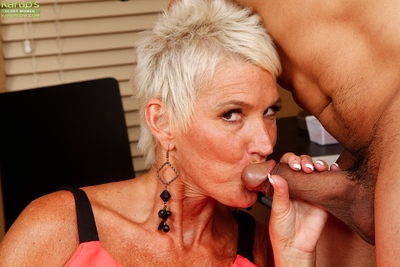 Steep haired cougar Lexy Cougar attracting cumshot not far from frowardness check b determine bj atop knees