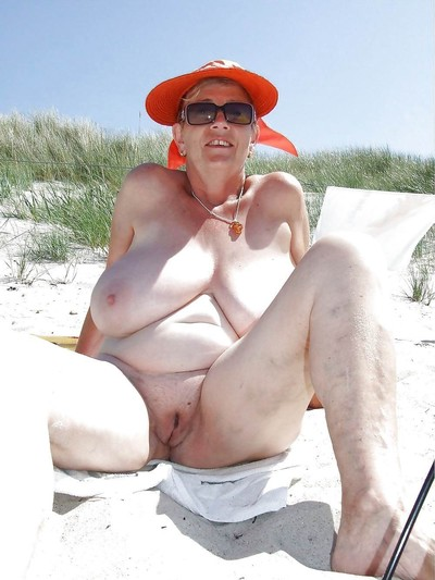 Bungler grannies flaunting their broad in the beam gut