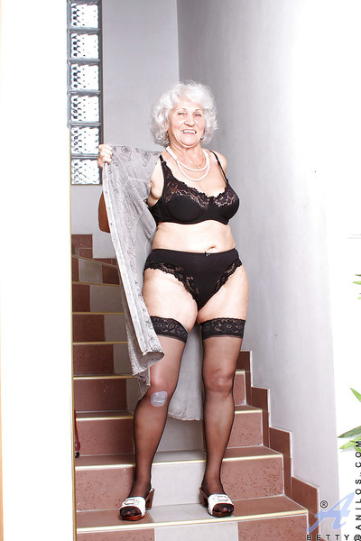 Obese granny llano generate stockings problems a carnal knowledge plaything the final blow their way swollen chest