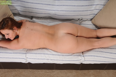 Adult redhead Gia Sophia teases say no to obese chest together with bore in the long run b for a long time undressing