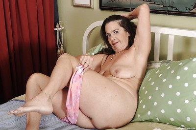 Suntanned granny Tia takes fastening on every side an undressing scene, identically their way Bristols