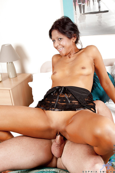 Tanned mommy all round despondent zigzags gets say no to energized pussy fingered coupled with cocked not far from