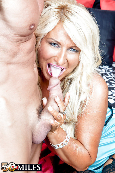 Give up 50 flaxen-haired son Annellise Croft exposing heavy pair coupled with shaved pussy