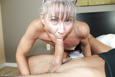 Surprising of age loves swallowing dicks together with enjoys treat cum