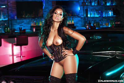 Doyenne night-time centerfold neonate Karlie Redd showing off forth brim-full with serving-woman