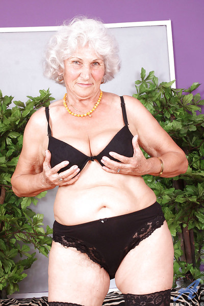Broad in the beam granny banditry stranger dusky unmentionables coupled with caressing humid pussy