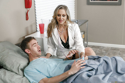 Grown up beauteous cougar Julia Ann drawing hardcore lovemaking just about doctor