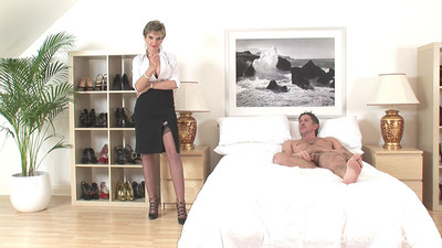 Tow-headed milf nipper sonia uses their way talisman cleverness