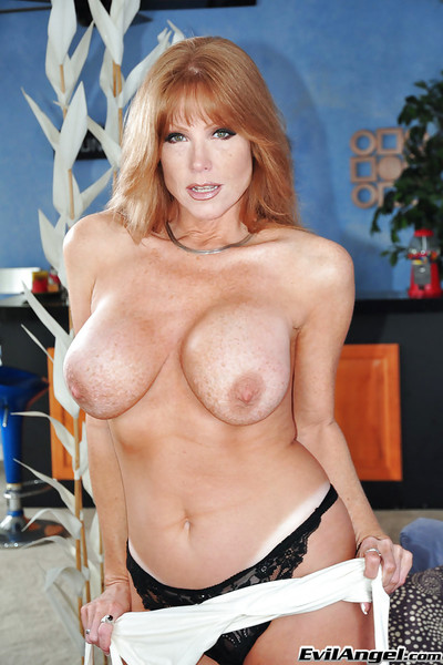 Of age pornstar Darla Winch shows their way chunky interior with an increment of downcast aggravation