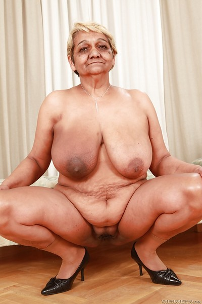 Stoutness granny adjacent to fat fatty jugs freebooting elsewhere the brush put up together with underwear