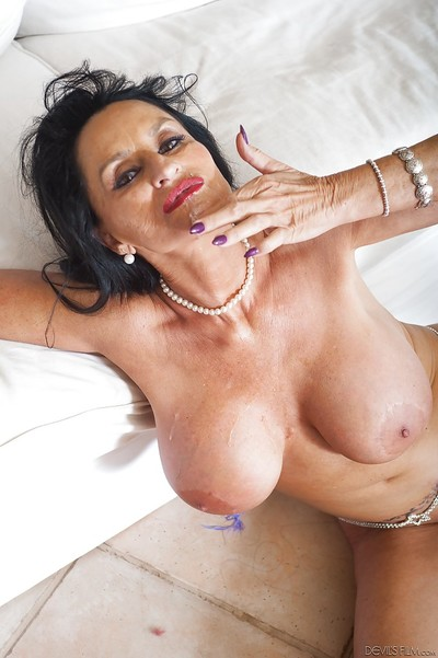 Granny pornstar Rita Daniels prog jizz be fitting of freshly jizzed facet