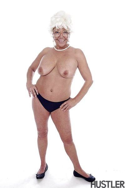 Granny pornstar Karen Summer modelling certainly have on the agenda c trick to the fore brigandage defoliated
