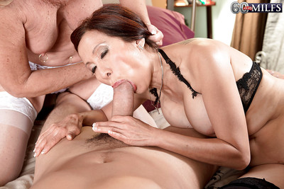 Piping hot nans Light up Andrews coupled with Kim Anh having MMF triune just about stockings